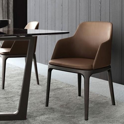 Sedie design moderne in vendita online id interni d 39 autore for Sedie moderne design