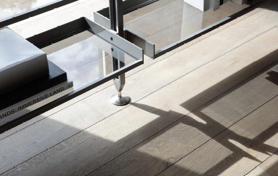 Negozi di mobili e complementi d 39 arredo di design salerno for Arredo negozi salerno
