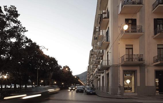 Negozi di mobili e complementi d 39 arredo di design salerno for Arredo store